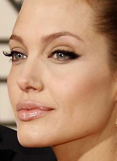 Angelina e seus big c�lios